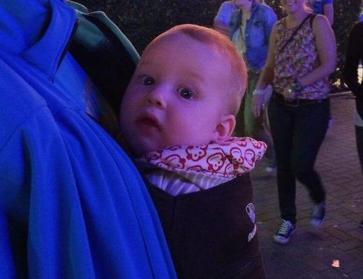 Baby in der Manduca | familiert.de