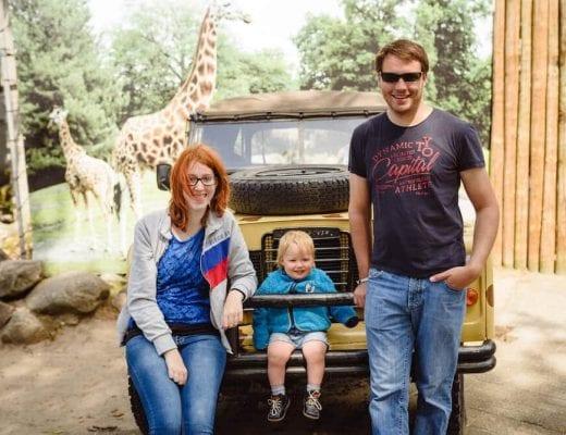 Familienbild im Zoo | familiert.de