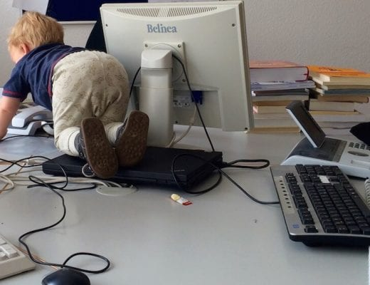 Mit Kind auf der Arbeit | familiert.de