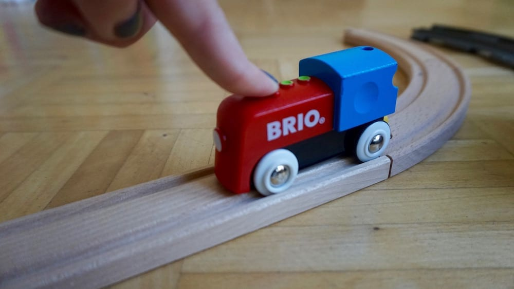 brio-vs-lego-02